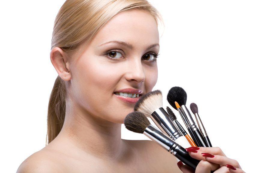 Пять базовых кистей для макияжа