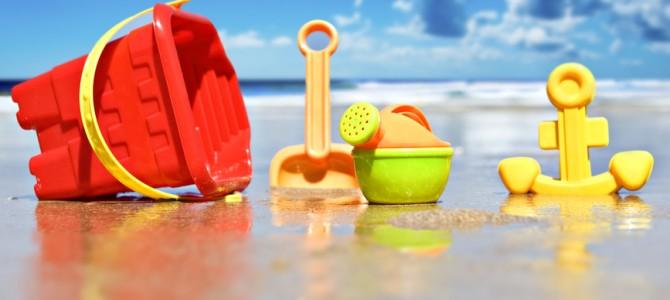 12 способов занять ребенка на пляже