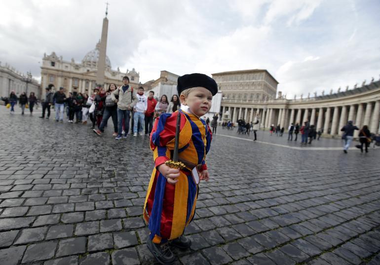 child-dressed-swiss-guard