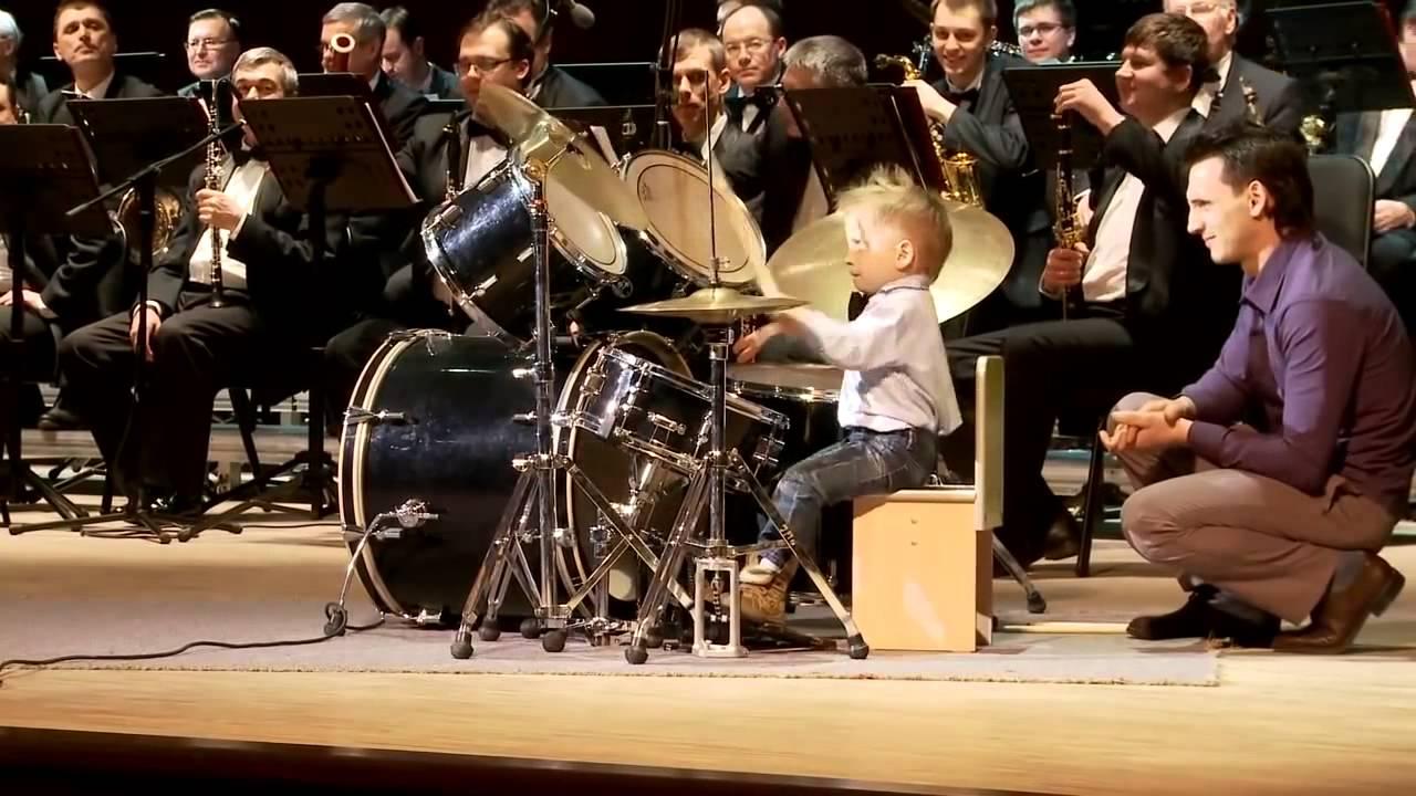Самый юный барабанщик мира