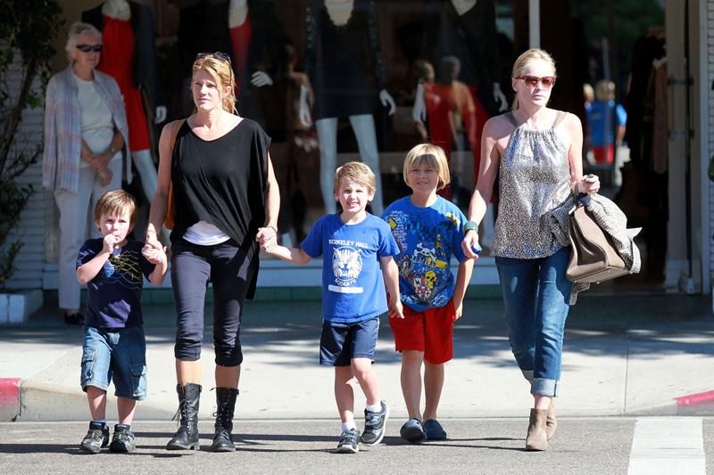 Sharon Stone and her boys get Frozen Yogurt