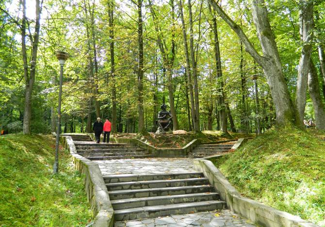 Прогулка по Трускавцу: 10 уникальных впечатлений для киевлян