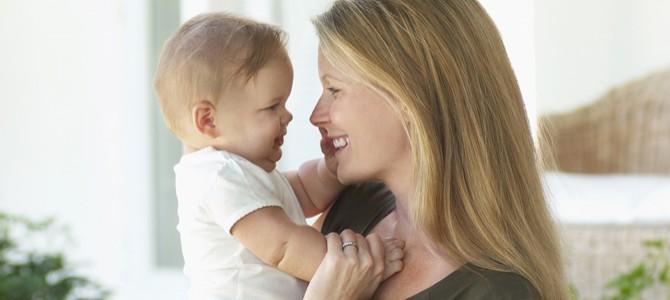 Первый день рождения ребенка — это и первый день рождения его мамы (видео)