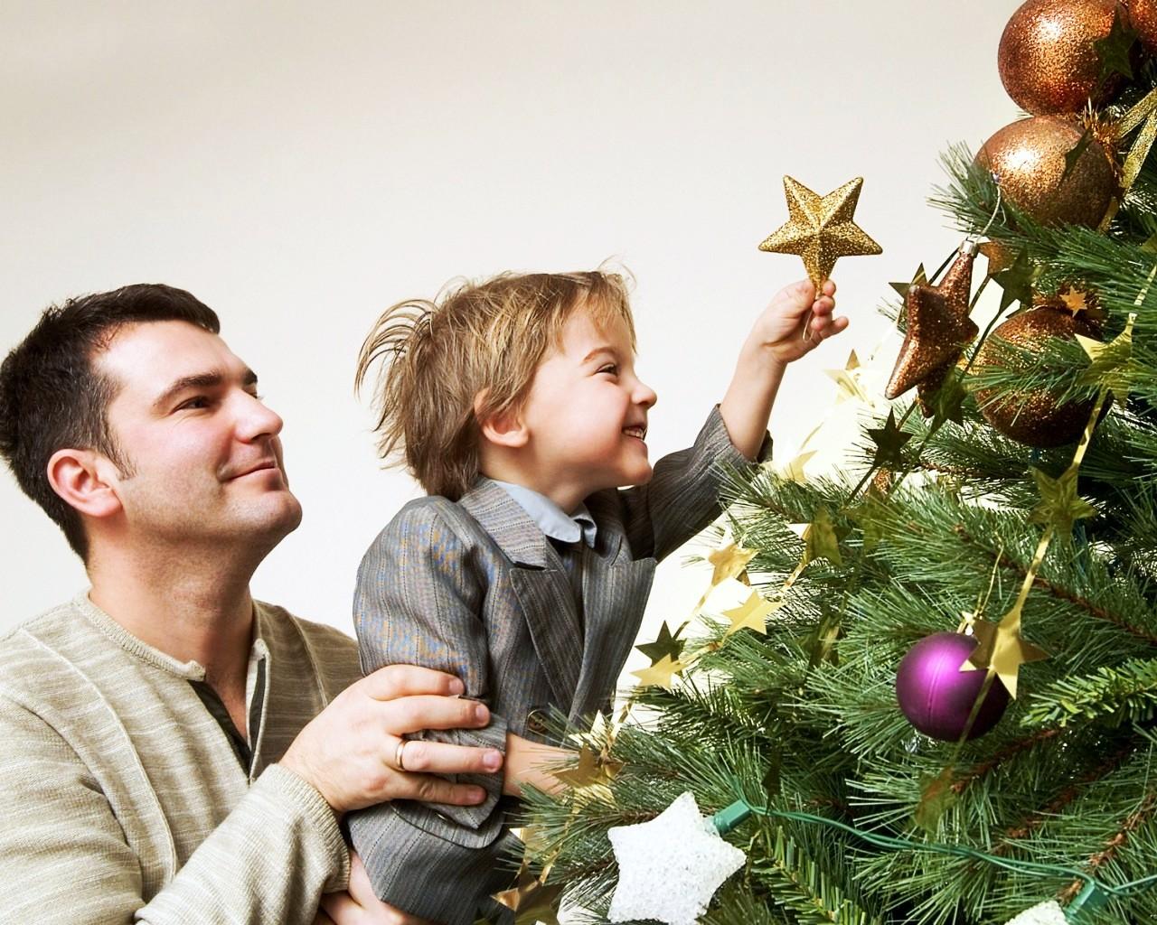 Как правильно украшать елку