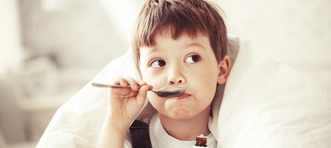 Как правильно давать ребенку лекарство