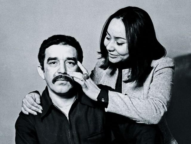 Garcia-Marquez-and-his-wife-Mercedes-Boat-in-1968