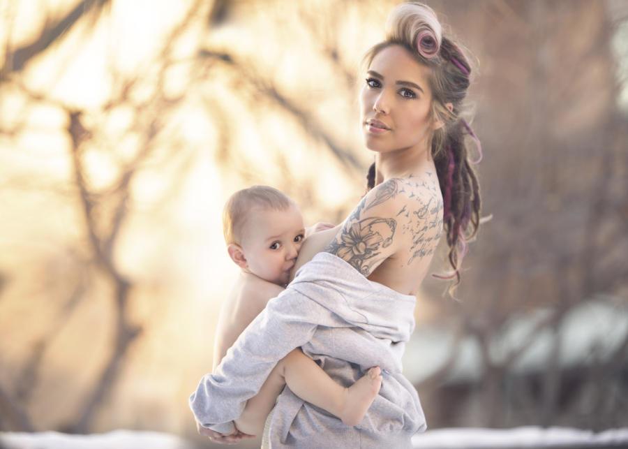 Фотопроект: Женщины, кормящие грудью