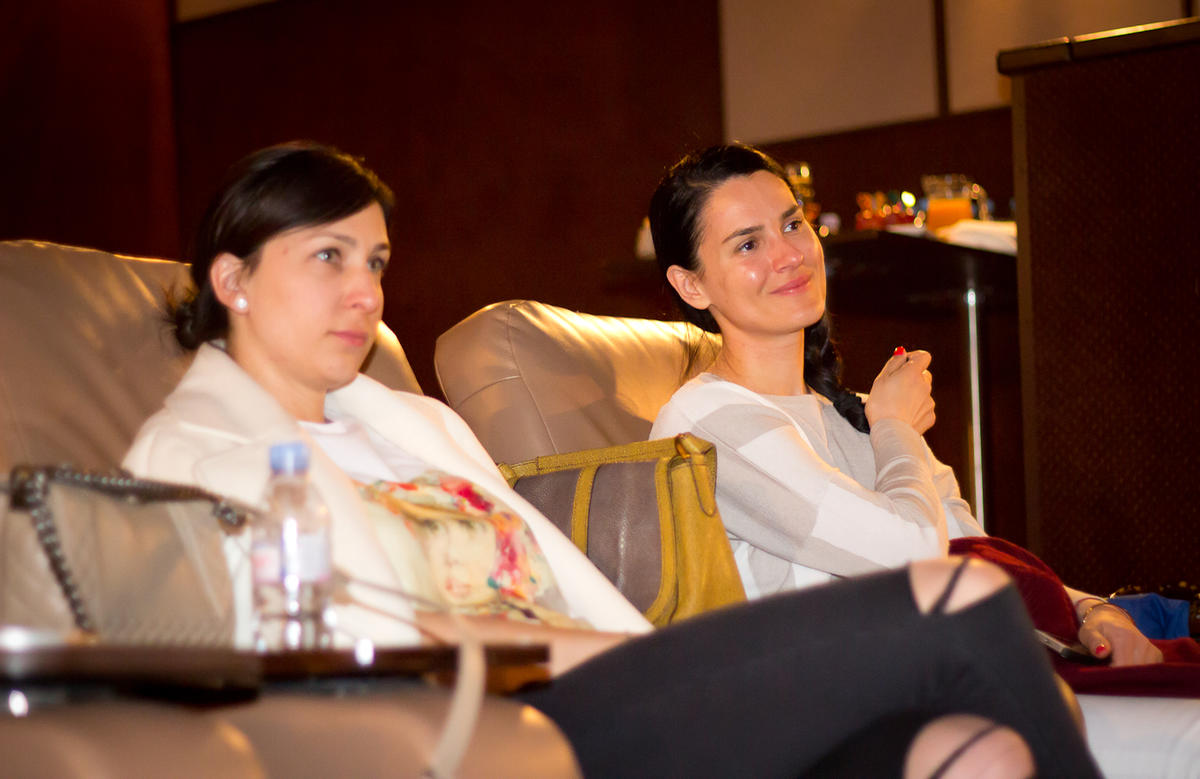 WoMo-девичник: Что обсуждают успешные бизнес-мамы в офлайне