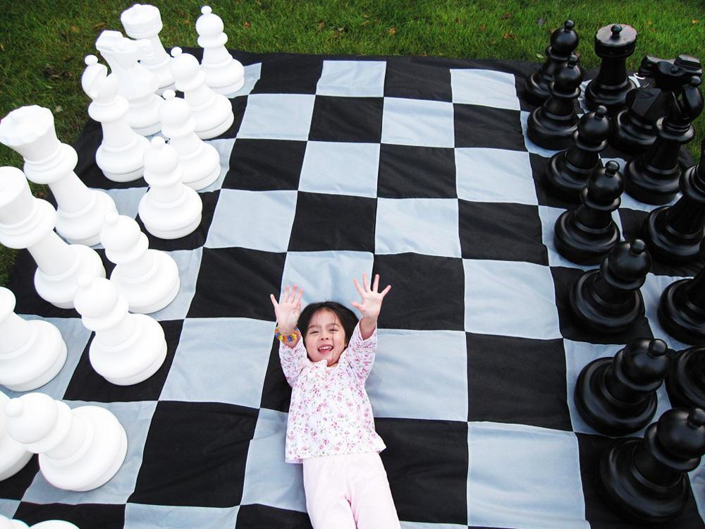 Как научить ребенка игре в шахматы