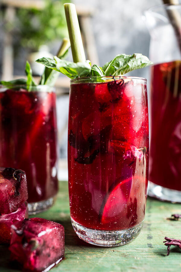 Hibiscus-lemongrass-Basil-and-Honey-Sweet-Iced-Tea-10