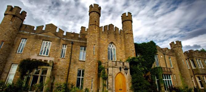 10 сказочных замков, в которых можно остановиться