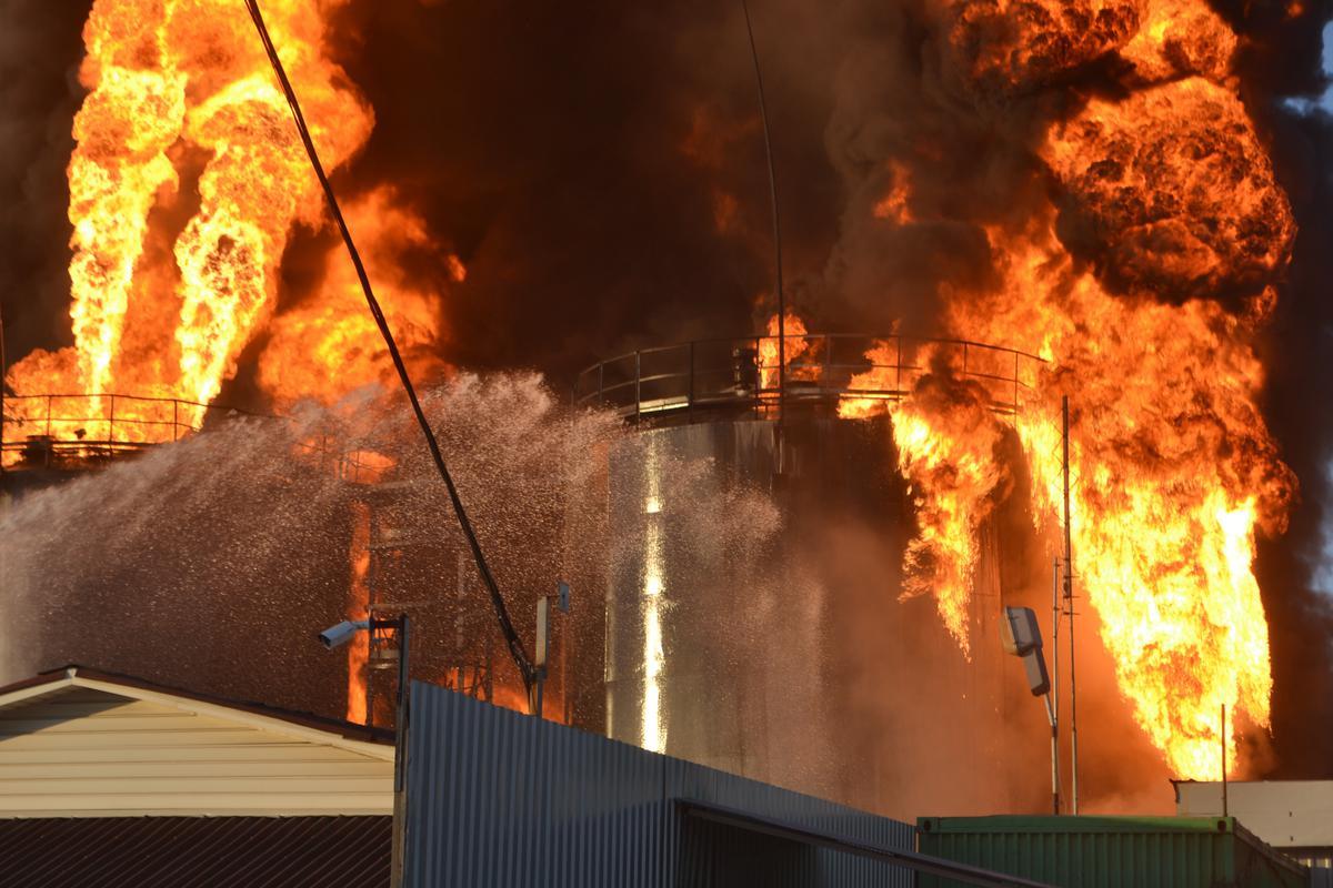 Пожар на нефтебазе: Как защитить себя и семью от последствий