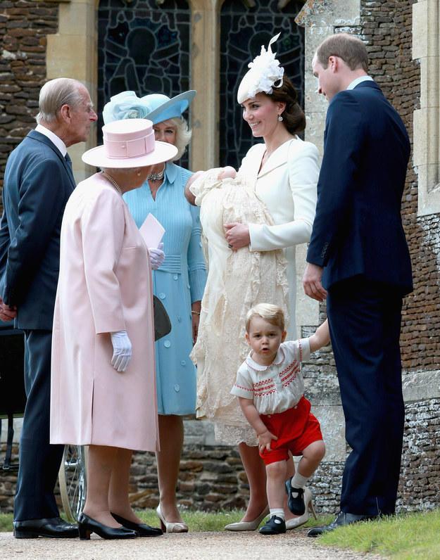 Первые фото с крестин принцессы Шарлотты