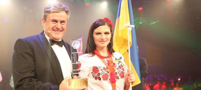Украинка стала лучшим кассиром в мире