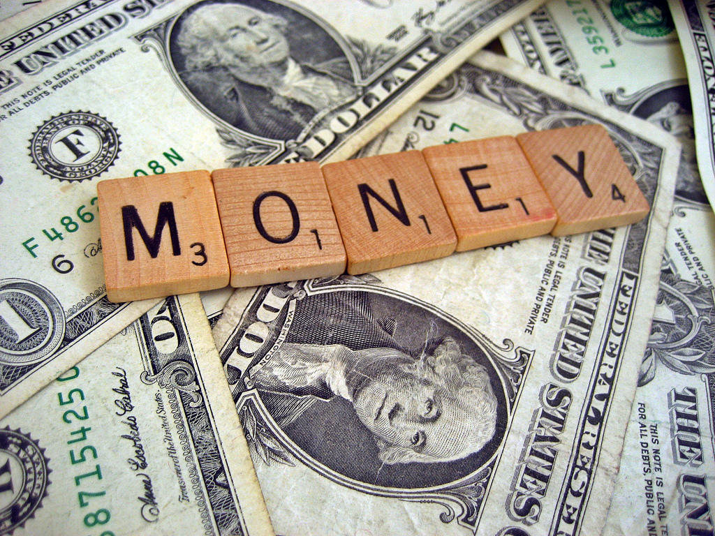 6 ошибок взрослых, мешающих детям научиться обращаться с деньгами