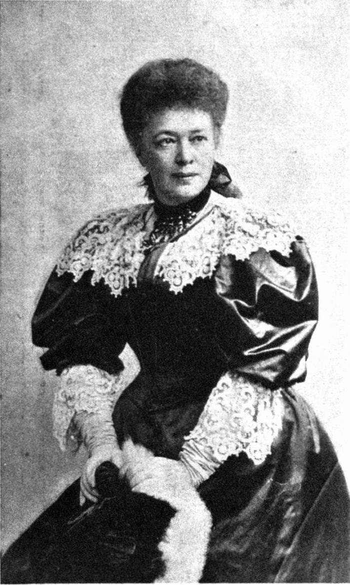 Bertha_von_Suttner_1903_Pietzner__700