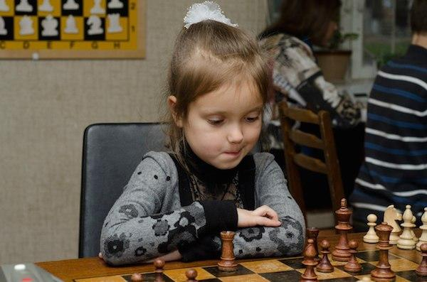 Восьмилетняя Вероника Веремьюк стала чемпионкой Европы по шахматам