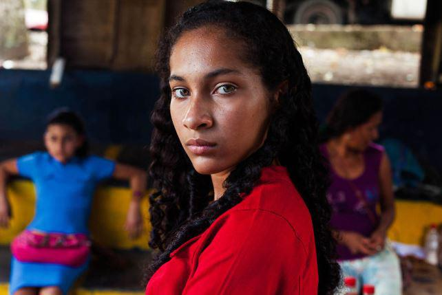 Ecuador-woman-from-Colombia__880