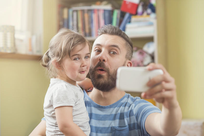 Parent-and-kid-selfie
