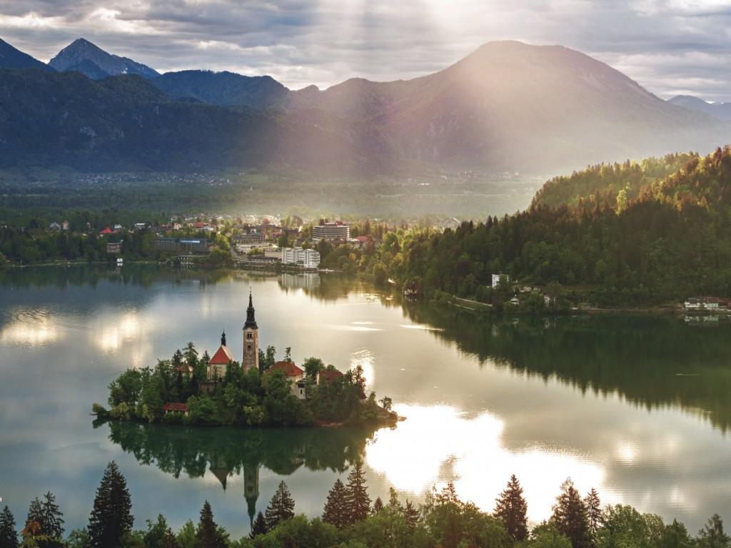 25-slovenia--as-with-the-czech-republic-education-in-slovenia-scored-very-highly-finishing-58th-out-of-142-in-the-economy-index-however-meant-slovenia-fell-one-place-