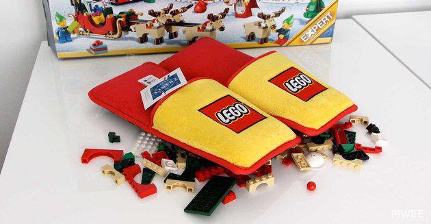 WoMo-находка: Lego-тапочки