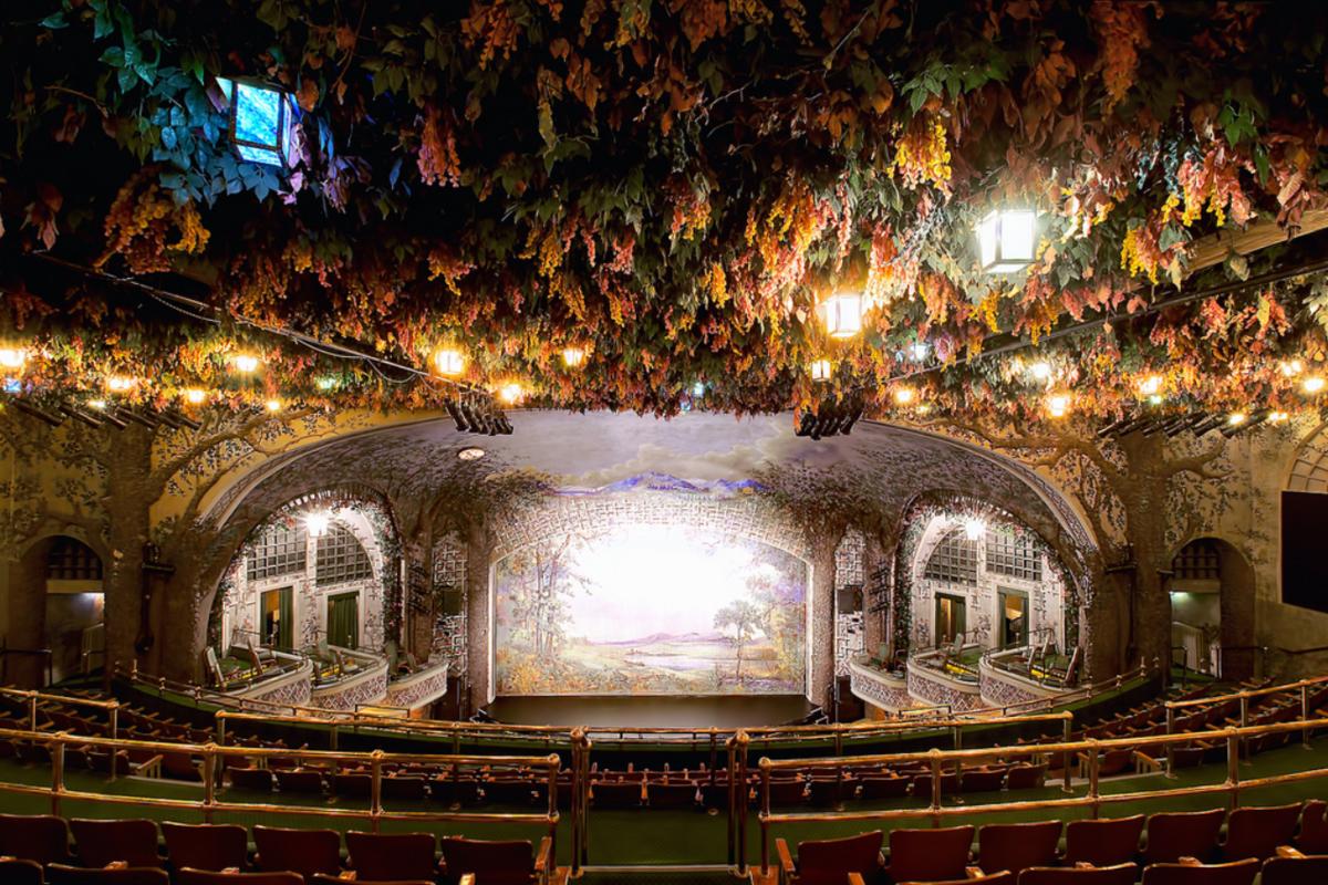 15 удивительных театров мира