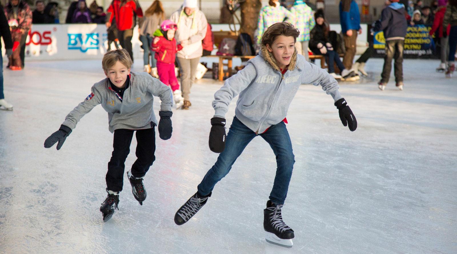 ice-skating-package-at-oregon-garden-resort-silverton-top