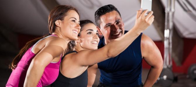 Нескромные селфи в спортзале, или Почему нас раздражают другие люди