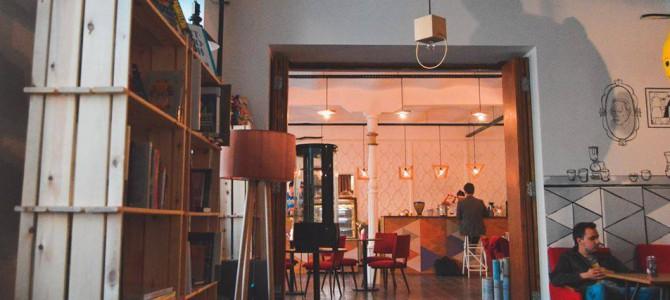 5 атмосферных книжных кафе Киева