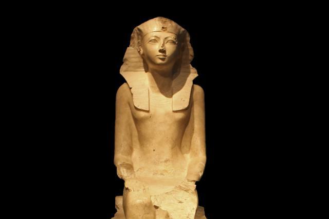 160118_EM_RichestWomen_Hatshepsut