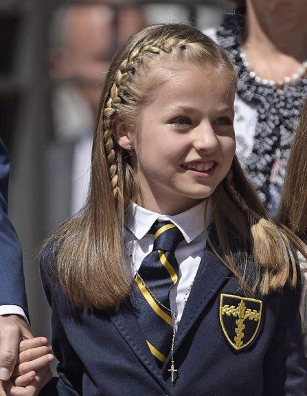 La-princesse-Leonor-et-l-Infante-Sofia-a-la-premiere-communion-de-la-princesse-Leonor-a-Madrid-20-mai-2015_exact1024x768_l