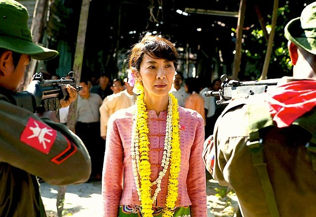 aun-san-su-chzhi-ledi-2011