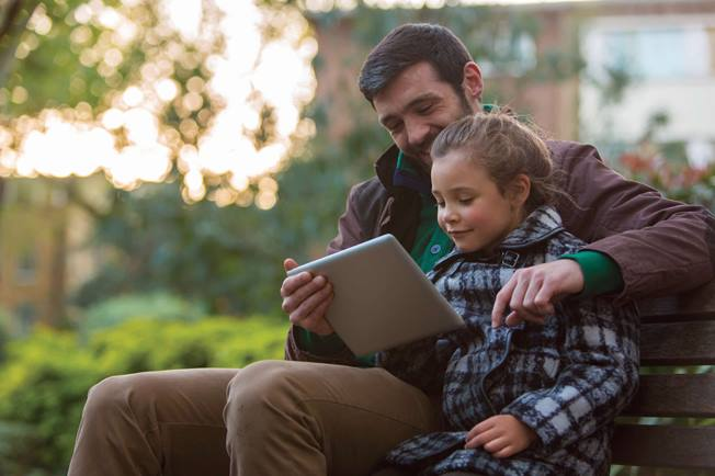 father-and-girl-tablet