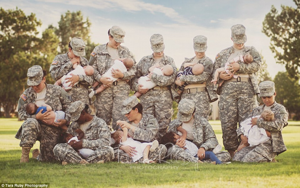 3314889E00000578-3540740-Powerful_shot_This_photograph_of_a_group_of_soldiers_breastfeedi-a-5_1460672010563