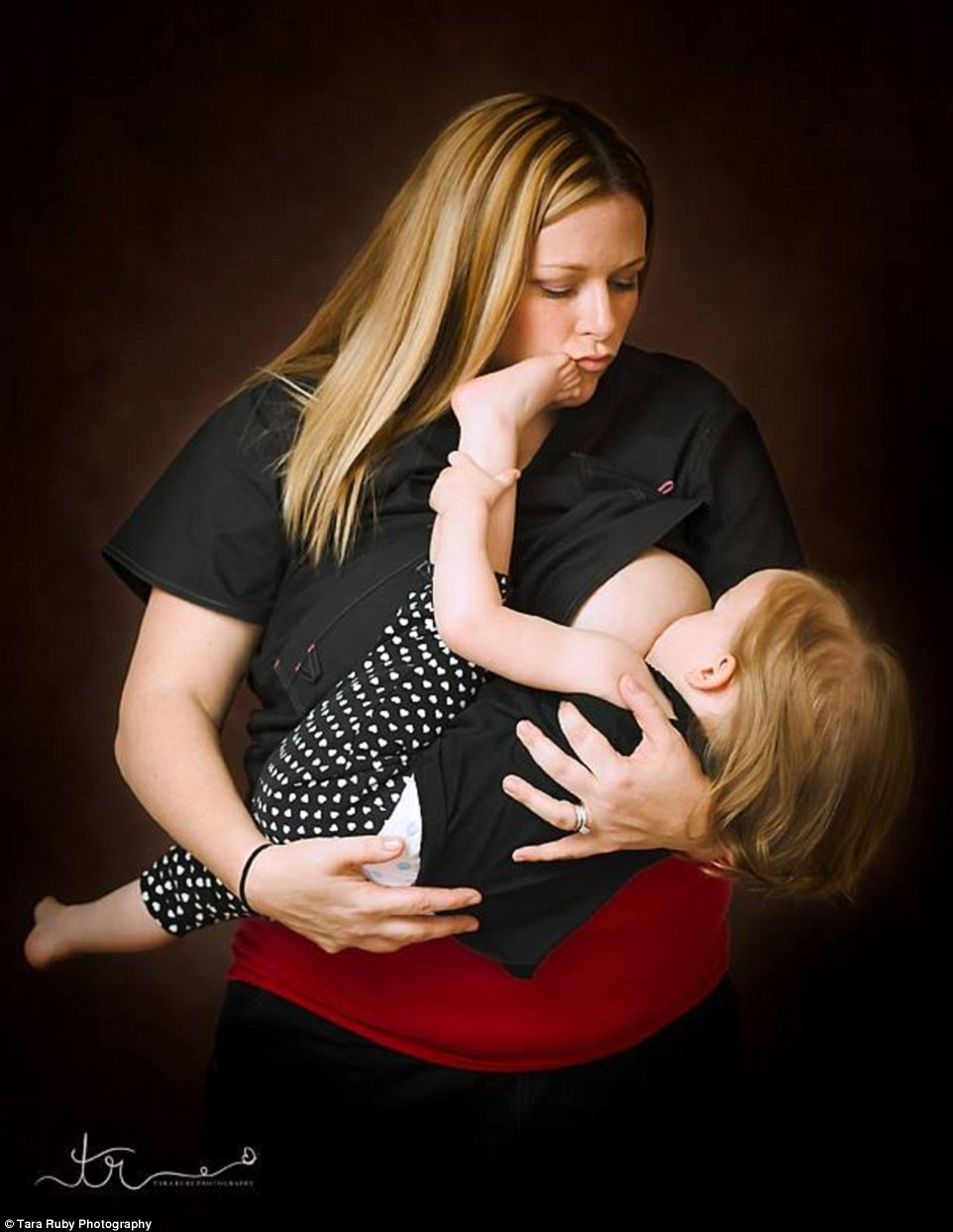 332EC95200000578-3540740-Never_a_dull_moment_This_mom_said_her_daughter_always_kicks_her_-a-4_1460672010561
