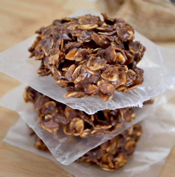 healthy-chocolate-peanutbutter-no-bake-cookies-12
