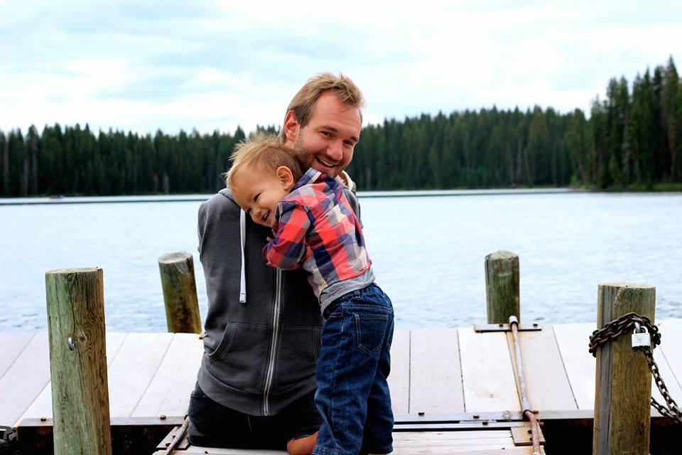 """Ник Вуйчич: """"Когда мой сын плачет, я не могу его обнять, но он подходит и обнимает меня"""""""