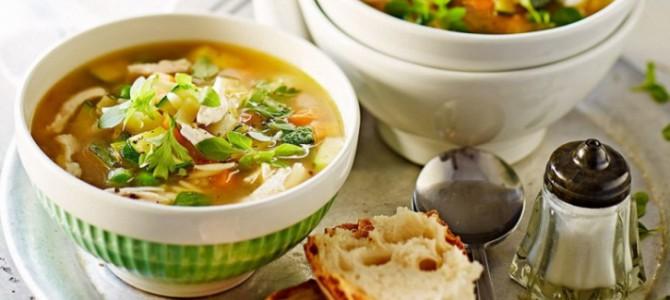 Готовить быстро, есть не спеша: 5 легких супов
