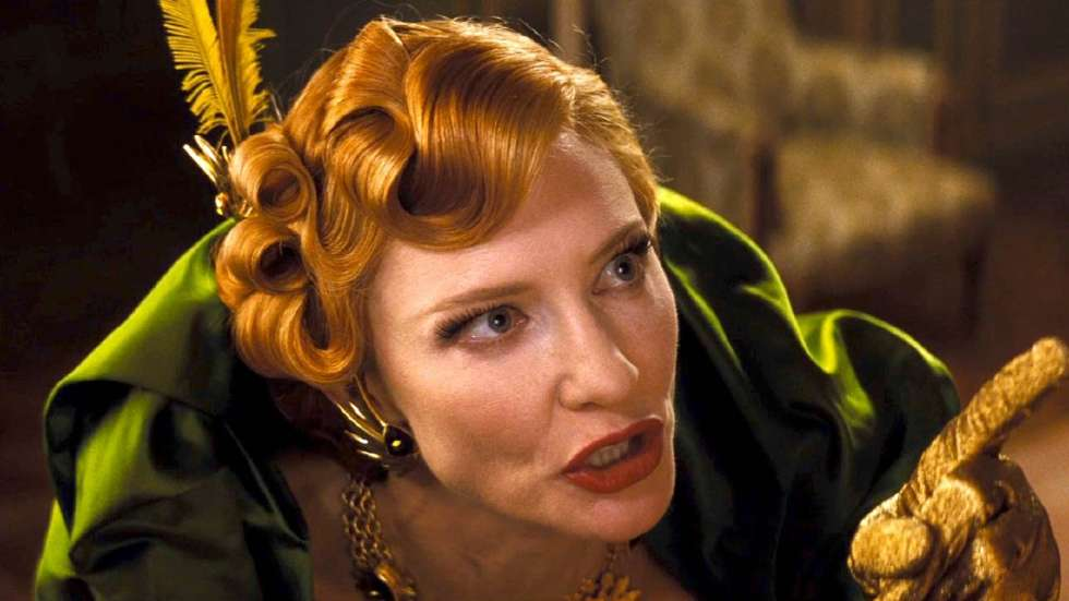 Cate-Blanchett-is-the-The-Evil-Stepmother-in-CINDERELLA