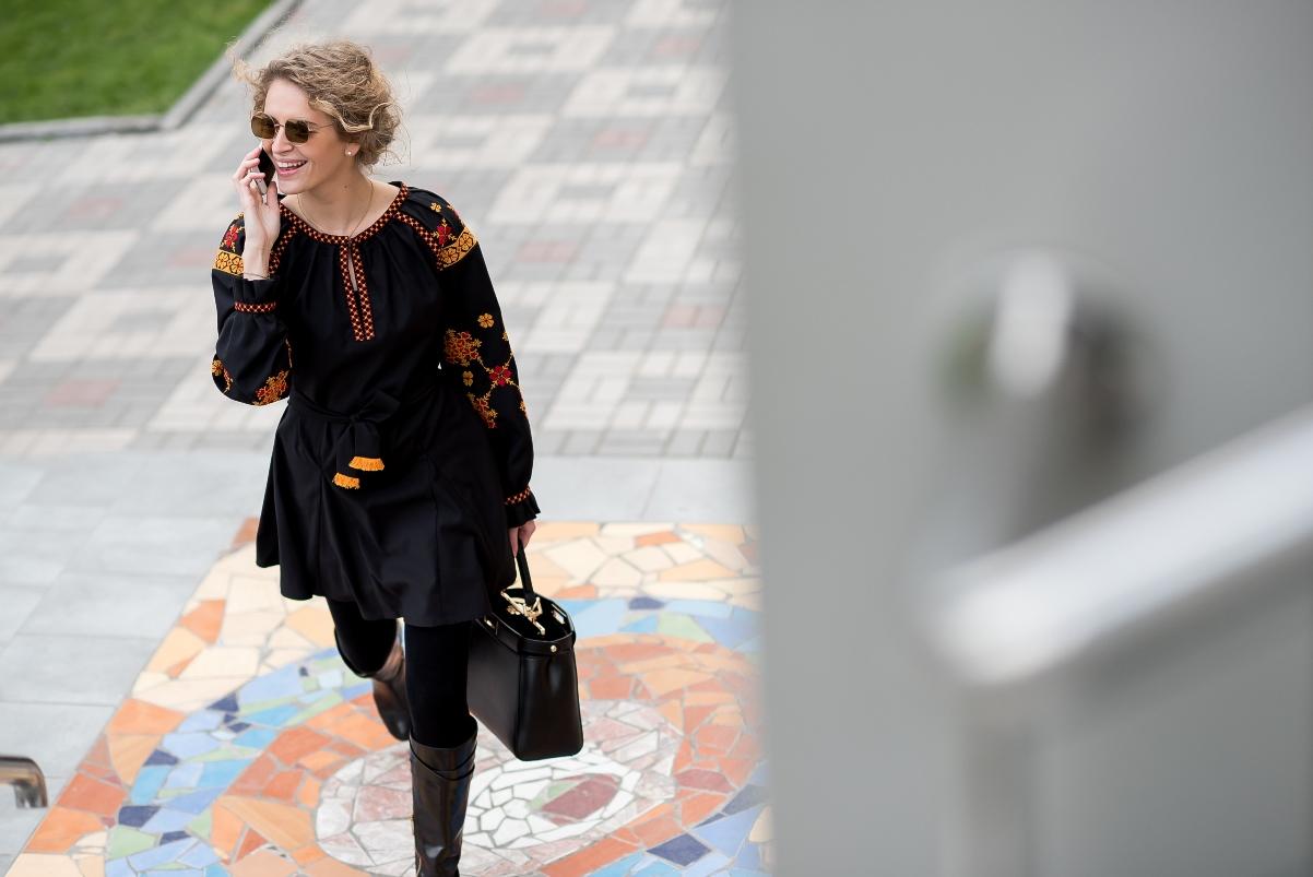 Вышитый дресс-код: С чем носить вышиванку в деловом стиле