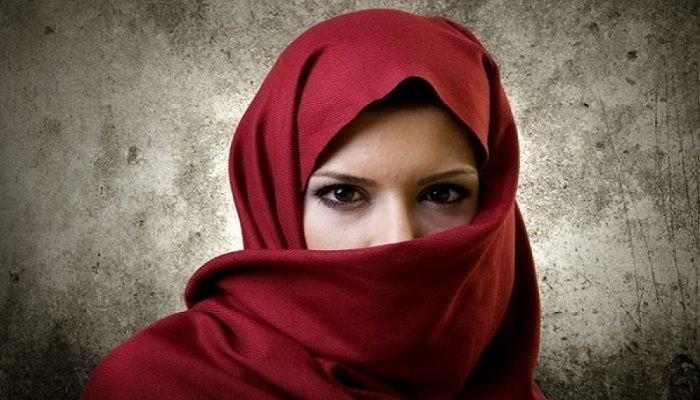 """Альтернативная """"терапия"""": Семейный терапевт из Саудовской Аравии рассказал, как правильно бить жену"""
