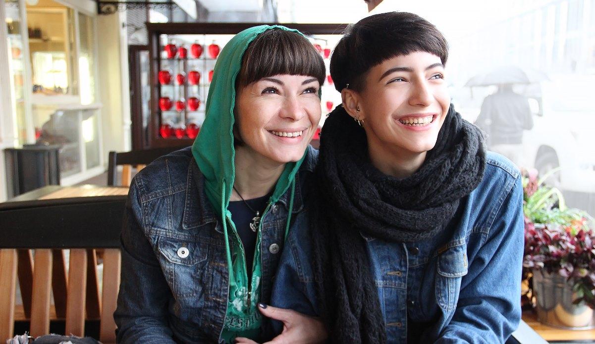 """Зулихан Биджанова: """"Да, моя дочь - лесбиянка, и это не повод вести ее к психоаналитику"""""""
