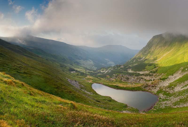 Побег к природе: 7 озерных чудес Украины