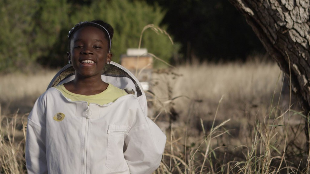beekeeper_mikaila_c_me_the_bees_2f64a65a5c5fcf341dff4635cfdb9268.nbcnews-ux-2880-1000