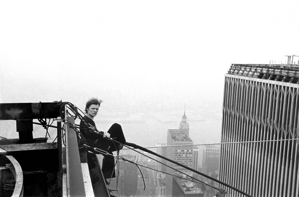 philippe petit the man on wire The link will look something like this: man on wire: philippe petit | vidimovie when a visitor to your page clicks the link, this video page will open in a new tab or window.