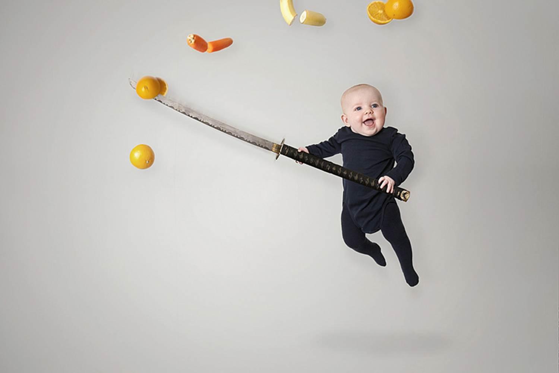 Как занять ребенка по системе Марии Монтессори: Игры для самых маленьких
