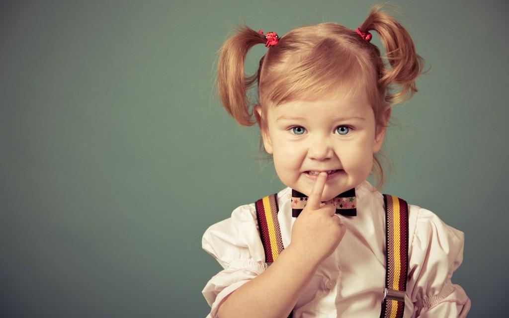 blonde-girl-child-blue-eyes-hd-wallpaper