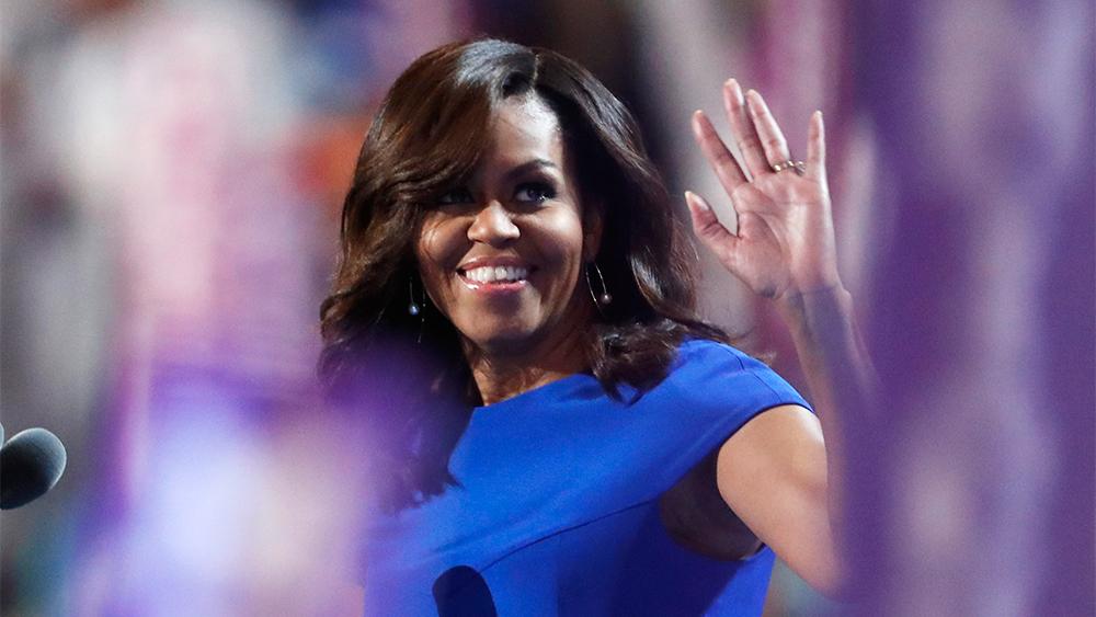 """Мишель Обама: """"Что бы мы ни говорили, что бы мы ни делали, мы должны помнить, что дети смотрят на нас"""""""