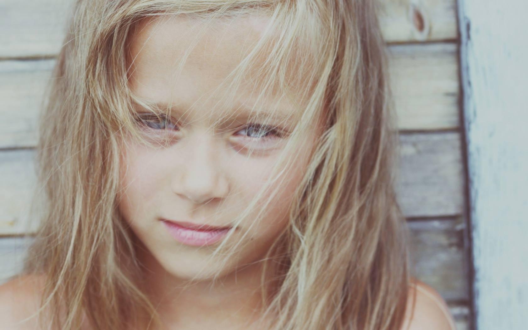 Исследование: Дети могут унаследовать депрессивное состояние от родителей