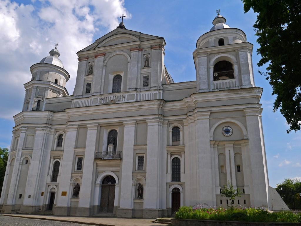 Кафедральный костел Святых апостолов Петра и Павла. Луцк
